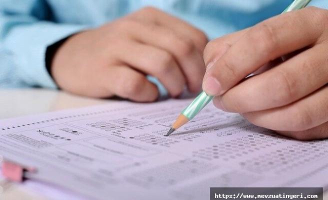Öndeki adayın sınav kitapçık kodunun kodlanması kopya sayıldı