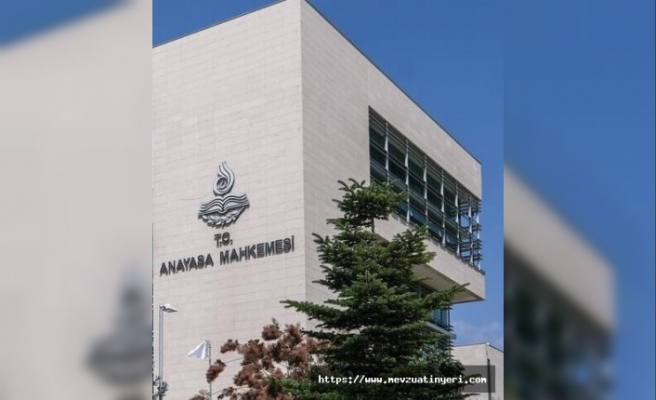 Üniversite öğretim elemanlarının kadrolarının Cumhurbaşkanlığı Kararnamesi ile düzenlenmesine ilişkin kuralın iptali