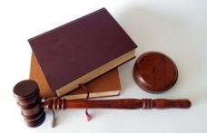 Ceza davasında beraat eden memura disiplin cezası verilebilir mi?
