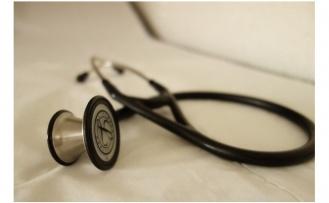 Tıpta Uzmanlık Eğitimi Alan Eşten Dolayı Memur Aylıksız İzin Alabilir mi?