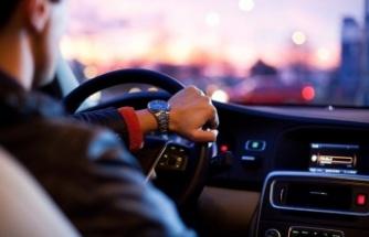 Özel otomobillerde  3 kişiden fazla yolcu yasaklandı