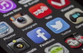 Sosyal Medya Hesaplarından Paylaşılan Mesajlar Nedeniyle Verilen Disiplin Cezası İptal Edildi