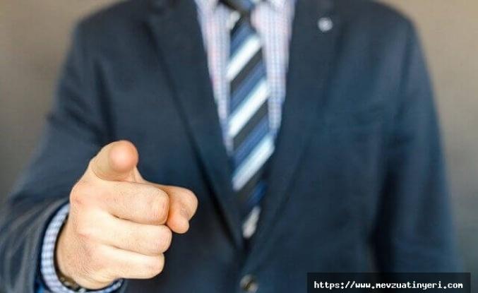 Sözleşmeli personel, müdür olarak görevlendirilebilir mi?